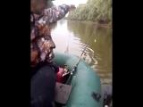 Как рыбачат шелаболихинские пацаны
