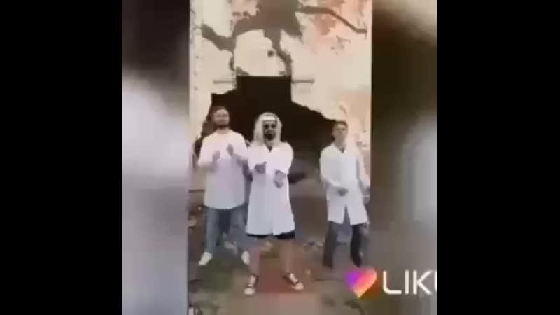 Танец Мамикса, Артема и Костика подходит под любую песню