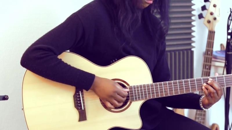 [Illona Bolou] (The XX) - Intro - Illona Bolou (Fingerstyle )