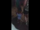 Даша танцует