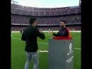 Хави вручил Месси награду лучшему игроку Ла Лиги в апреле