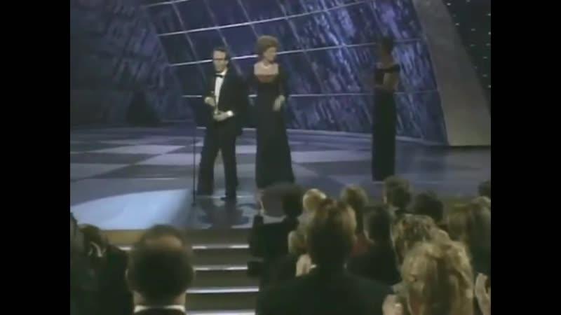 Роберто Бениньи получил Оскар за фильм Жизнь прекрасна (1999)