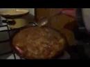 ПЕВЕЦ ПРОРОК САН БОЙ готовит вкусный кулеш на сковородке...жена обьедаетсяха_ха_ха,
