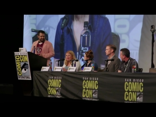 НАСЛЕДИЯ | Общая панель Даниэль Рассел, Мэтта Дэвиса и Джули Плэк на Комик-Кон 2018