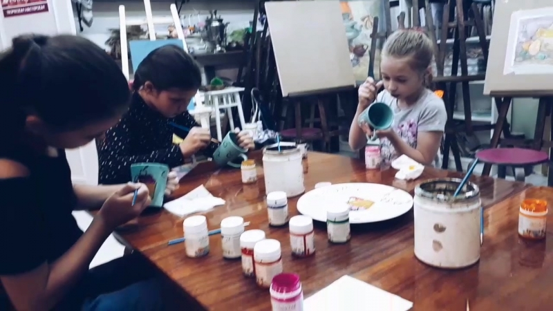 День 3 2 я смена в творческом лагере Сегодня у нас было занятие по живописи Мы росписали себе классные чашки для чая Творч