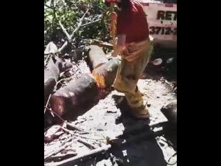 A soldado kercia passando com maestria pela forja bruta da