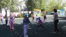 Спортивная игра «Воробьи и вороны». Ведущая - Наталья Перышкова. Мы танцуем, мы играем.