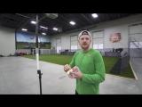Чемпион мира по метанию бумерангов показывает невероятные трюки