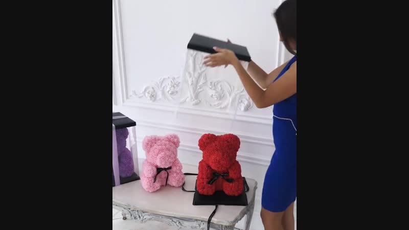 Очаровательные мишки из роз