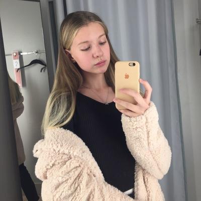 Аня Сизова