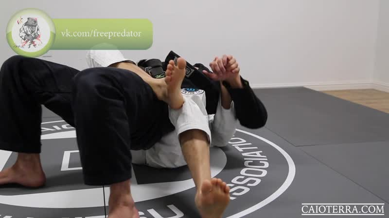 Clown Collar Choke from the Back Variation 3