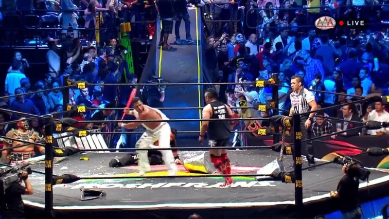 La Mascara, Rey Escorpion El Texano Jr. vs. Joe Lider, Pagano Murder Clown [Street Fight]