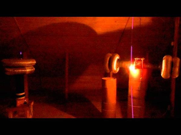 Приемник с заземлением и лампочка 100Вт