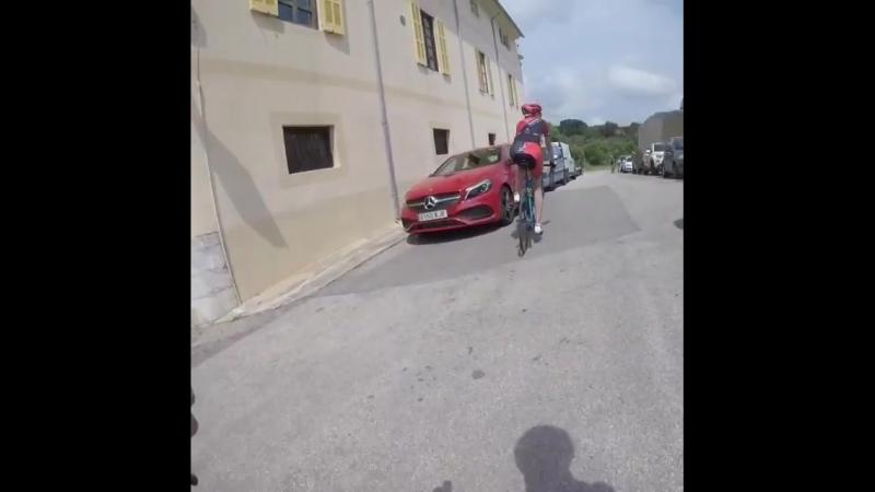 Малышко на велотренировке