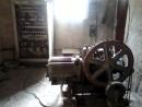 Старый лифт - лебёдка и станция управления