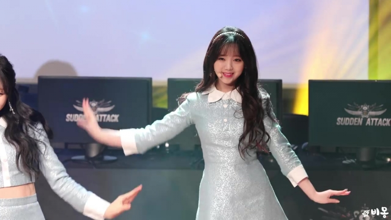 171203 (Lovelyz) - (Twinkle) (Kei Focused) 4K Fancam by ЄЅ