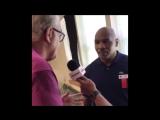 Майк Тайсон облил Дона Кинга водой- Скандал в Зале славы бокса