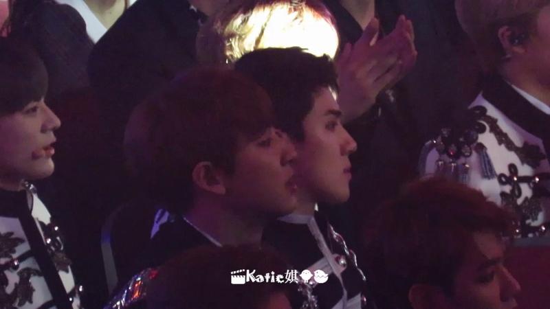 [Fancam] 170408 Exo reaction to NCT WINWIN solo dance Sehun focus @ V Chart Awards in Macau