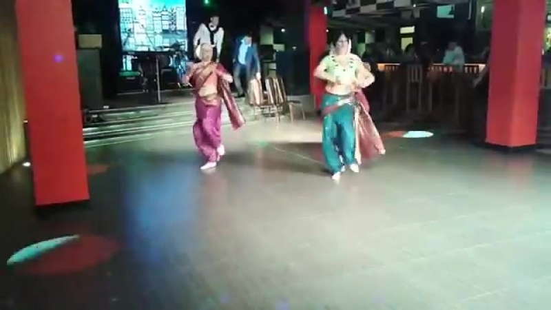 Indian Dance On Russian Song _ Bravo These Russian Girls