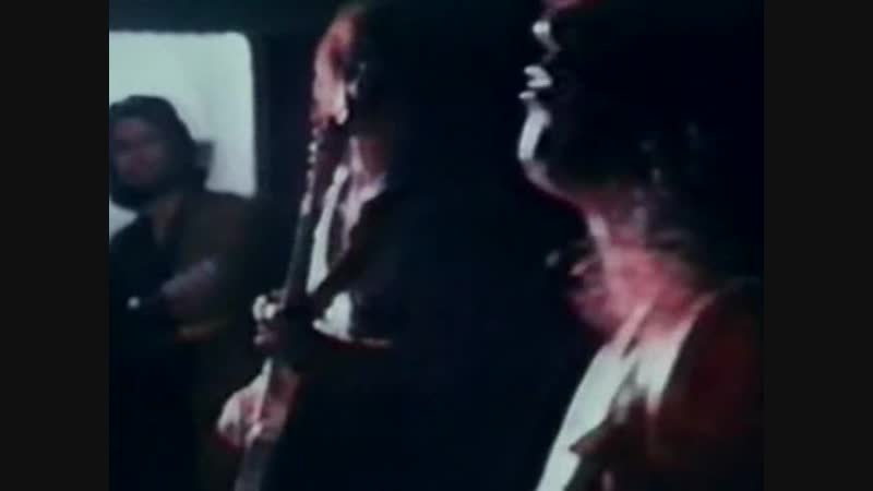 04.Jeepster – Shot On.1971
