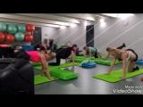 комбинация на ягодицы, силовой степ с Александрой Рогулиной. фитнес клуб фит студио Кострома