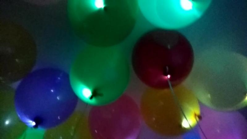 Светящиеся шары. В темноте