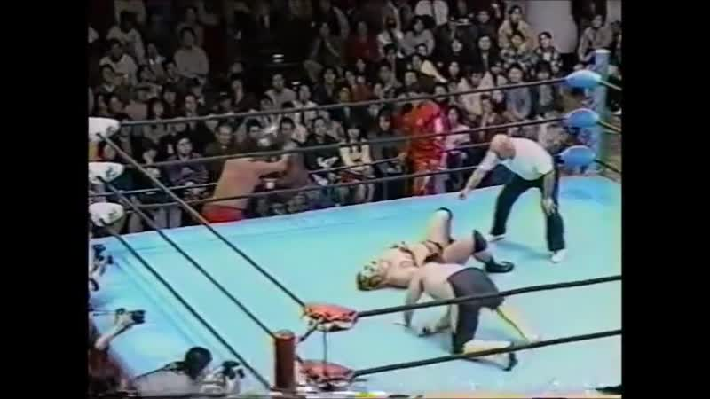 1996.11.16 - Toshiaki Kawada/Akira Taue vs. Giant Kimala II/Jun Izumida [SPLICED FINISH]