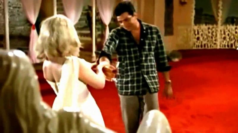 Цветок и камень (русс. субтитры) / Phool Aur Patthar (1966) - Sheeshe Se Pee Ya Paimane Se