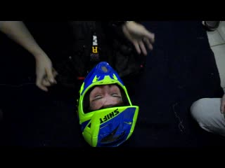 Практика на занятиях_про снятие шлема, шейный корсет