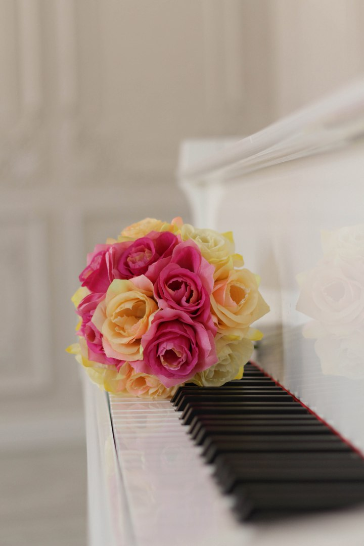 Картинки с роялем и цветами