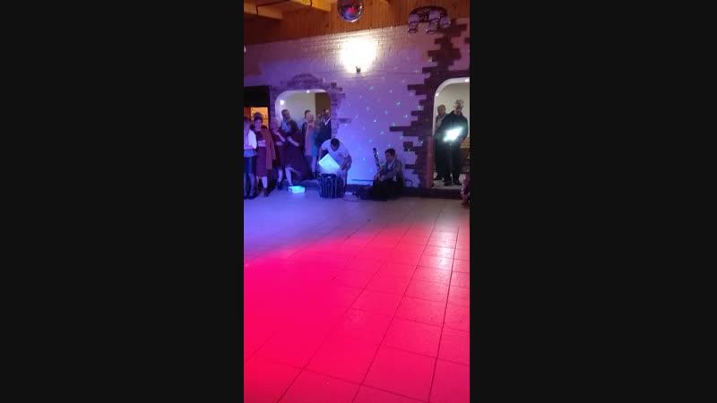 Перший танець Христинки