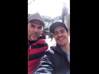 Nuevo video de Rob en Aspen mandandole saludos a una fan argentina, diciendole que lamentaba el show cancelado y que esperaba vo