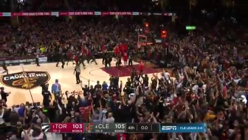 LeBron James hits game-winner at buzzer to give Cavs 3-0 series lead over Raptors