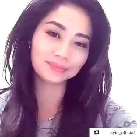 """🔯ҚАЗАҚ ПОЭЗИЯСЫНЫҢ ПАРАҚШАСЫ🔯 on Instagram: """"Бағалайық достар😊 1-100👇 Оқыған: @ayia_official ✅Бiздi оқи жүрiңiз✏️ 📔📌@makataev_m МукагалиМакатаев ..."""