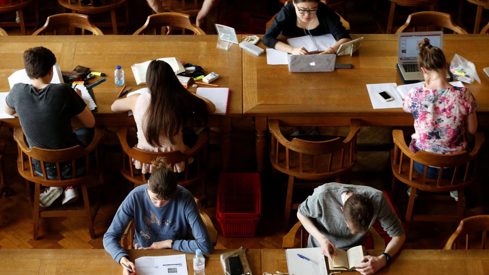 190 университетов мира бесплатно выложили в сеть сотни онлайн-курсов. Подборка ссылок