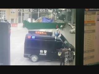 В Китае разговор с неадекватами очень короткий пиф-паф
