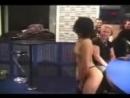 Alizee SEXY striptease en cabina de radio