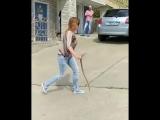 «Суровая сочинская женщина» показала, как нужно вести себя со змеями