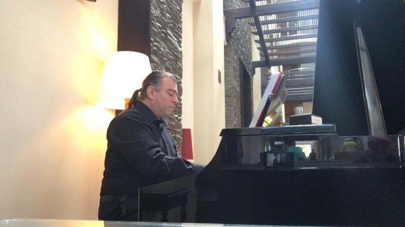 Sarı Zeybek-Nedim Ertuna Rose hotel piyano performans