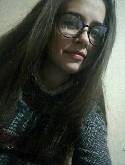 Настя Саргсян