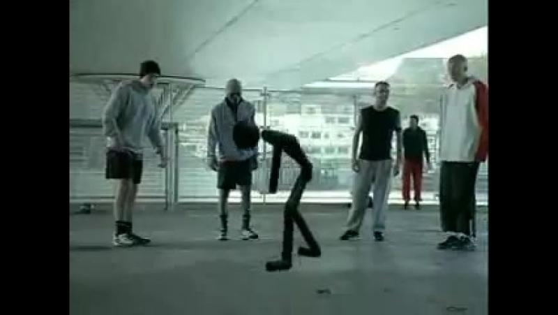 Реклама от Nike Стикман ротив Рональдиньо