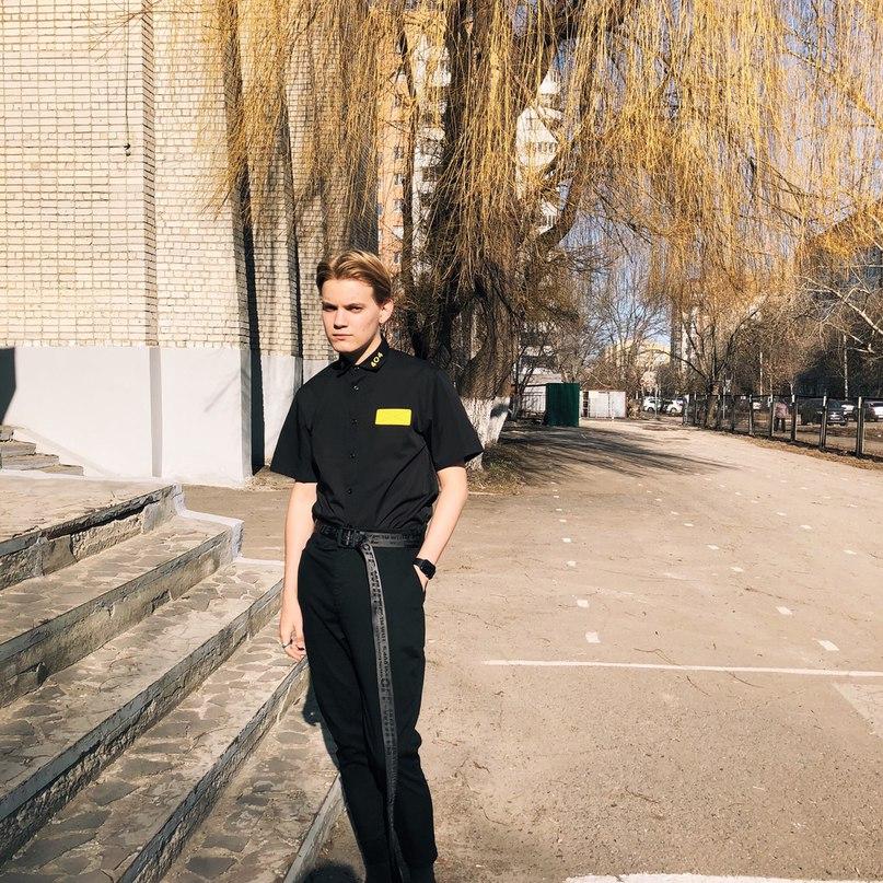 Михаил Озеров |