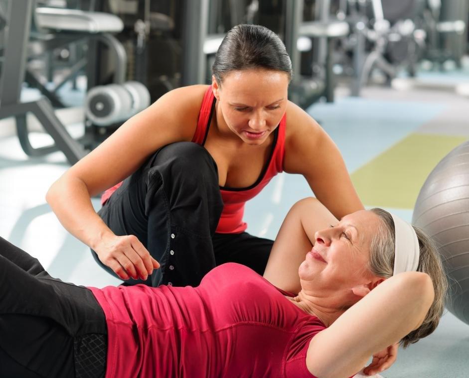 Персональные тренеры являются частью фитнес-индустрии.