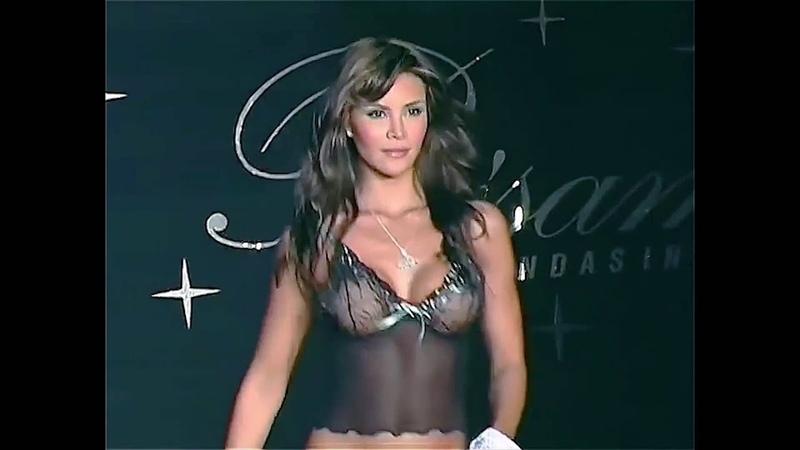 02 Besame Models Natalia Paris, Claudia Perlwitz, Medellin Colombia Lingerie Fashion Show
