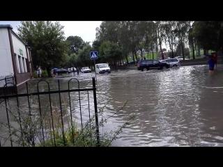 Море волнуется раз. Перекресток улиц Красногвардейской и Лизы Чайкиной. Город Брест.