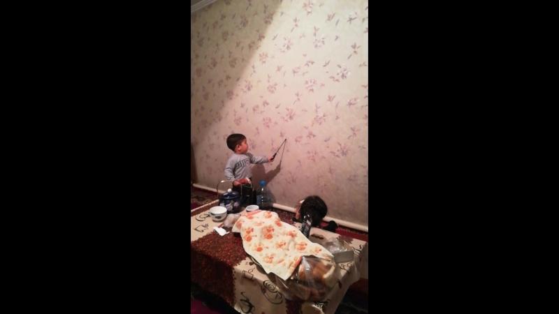 Шахрияр проводит урок Шахнозе