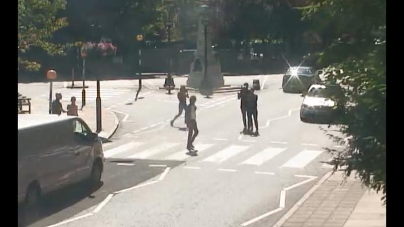 Paul McCartney crossing abbey road (webcam abbey road at 10am59)