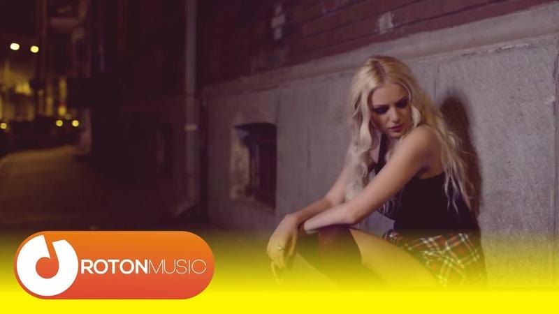Sandra N Adrian Sina - Ma dor ochii, ma dor (Official Music Video)