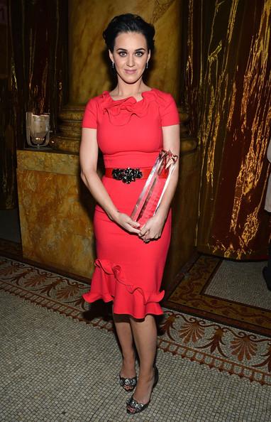 Кэти Перри в красном