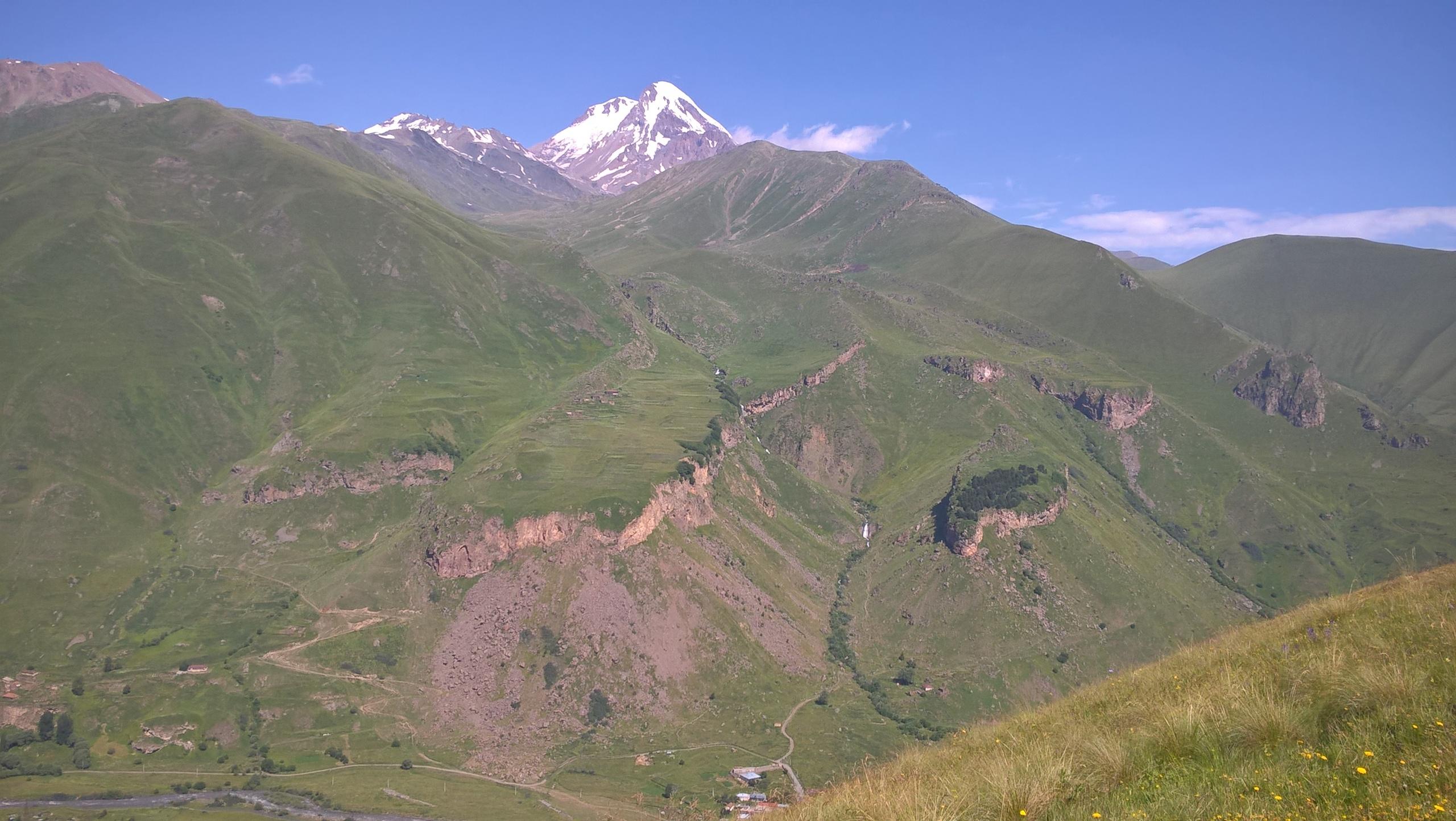 Гора Казбек и водопад Тоти